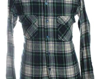 Vintage Woolrich Plaid Shirt M - www.brickvintage.com