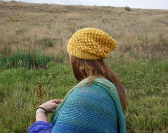 Handknit Bramble Hat in Daisy
