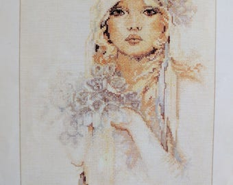 LANARTE Lady With Lilac Flower SARA MOON Counted Cross Stitch Kit