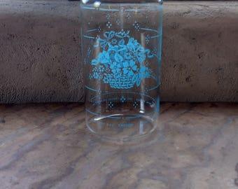 Vintage Pyrex Clear Glass Carafe, Blue Flower Basket 7014, 1.5 Quart Glass Pitcher Water Jug Cocktail Party Iced Tea Juice Lemonade.
