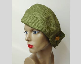 Green 60s Vintage Hat With Golden Button // Size 54/55