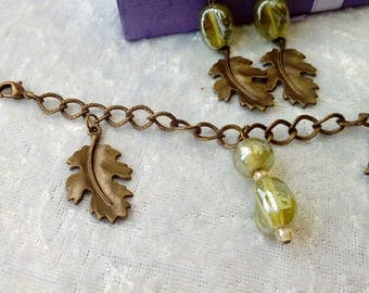 Oak Leaf Charm Bracelet with Green glass drops and matching Earrings ~ Victorian ~ Natural ~ Nature ~ Bronze ~ Steampunk