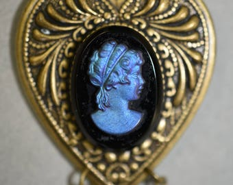 Victorian Valentine style German glass CAMEO pin brooch