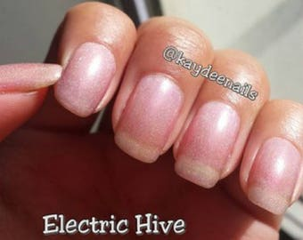 Electric Hive - Gaming (Counterstrike) Collection, Handmade Nailpolish, sheer pink nail polish, pink holographic indie polish