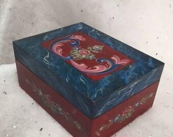 Norwegian Rosemaling on wood box