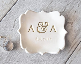PERSONALIZED RING DISH Gold Letter ring holder Monogram Initials ring dish Wedding ring dish Anniversary pottery Engagement Ring Holder Dish
