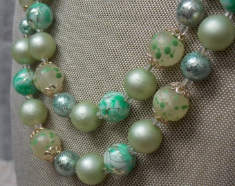 Lovely Vintage Green Cream Metallic Faux Pearl Glass Bead Two-Strand Necklace Japan