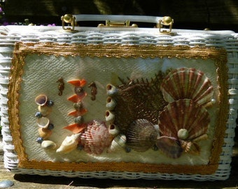 Princess Charming Sea Shell White Wicker Purse Made in Hong Kong - . Vintage 1960's.