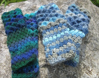 Fingerless Dragon Gloves
