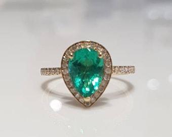 Emerald  Diamond ring 18 K yellow  gold diamond engagement ring  and band  Certified FGAA