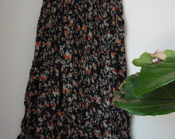 Vintage Tangibles Floral Maxi skirt / 90s Floral festival maxi skirt / Vintage black floral maxi / 90s floral skirt / boho maxi floral skirt