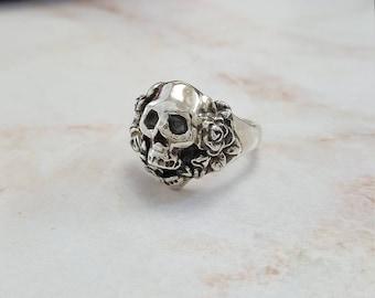 Flower Skull Ring in Sterling Silver, Silver Skull with Flowers, Biker Skull Ring, Skull flower Biker Ring, skull jewelry, silver skull ring