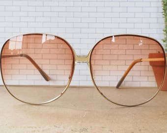 Vintage Sunglasses 1970's Oversized white Cream color By Foster Grant New Old Stock Made In Taiwan Lightly Tinted lens Cheap!