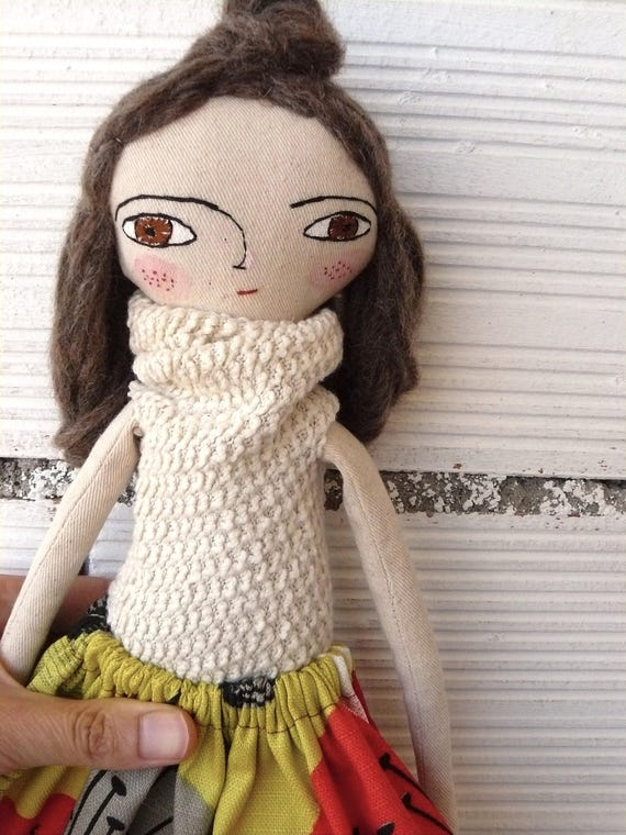 Art doll in cotton and alpaca and silk hair. 32 cm.