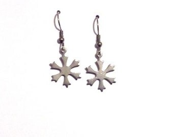 Snowflake earrings, silver earrings, bridesmaid earrings, gift for her, dangle earrings