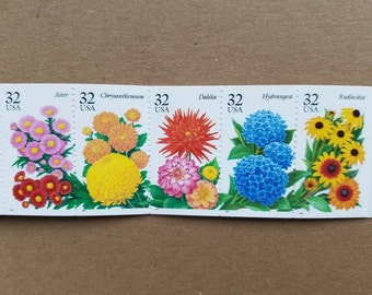Vintage unused postage stamps - garden flowers, 32 cent stamps, a booklet of 20 stamps, face value 6.40