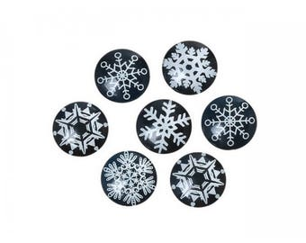 30 glass cabochons 20mm black and white snowflakes