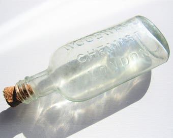 Vintage London Bottle! WOODWARD CHEMIST LONDON bottle. Apothecary bottle. Antique glass. Corked bottle. 1930s 1940s glass bottle. Home Decor