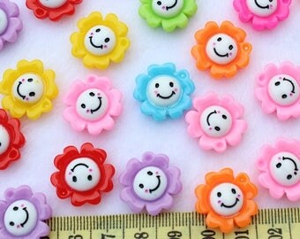 6 x cabochons flower smile resin size: 20x20mm
