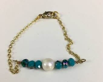 Pearl Turquoise Beaded Chain Bracelet, Dainty Chain Bracelet, Freshwater Pearl and Turquoise Crystal Glass Beaded Bracelet, Gold Chain