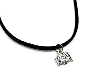 Book choker - book necklace - vegan jewellery - bookworm - book accessories - bibliophile