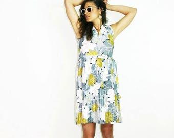 40%OFF 70s RETRO DRESS, floral dress, shirt dress, kitsch dress, spring summer dress, boho bohemian dress, white pleated dress, size xs s