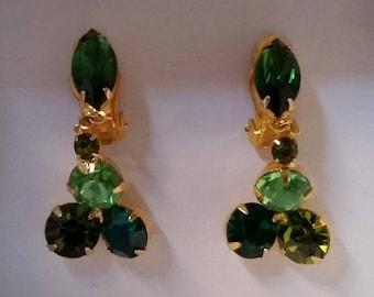Vintage Jewelry Green Rhinestone Dangling Clip Back Earrings