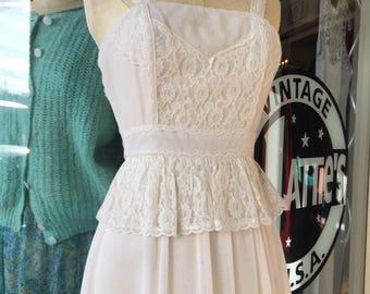 70's antique White Prarie dress~ Gunne Sax Style~ Maxi gown~ lacy feminine~ princess wedding gown ~XX small