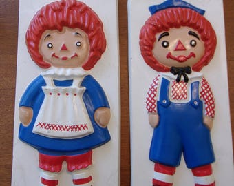 Raggedy Ann and Andy,ceramic plaques,Yozie Mold,vintage,red white and blue,classic characters,child's decor,collectors,3D plaques,home decor