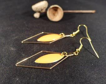 • Chic • minimalist earrings diamond. Orange sequin & gold metal