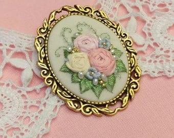 SRG1 Spring rose garden brooch
