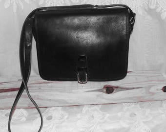 FREE SHIPPING! Vintage Black Leather Coach Shoulderbag Crossbody Bag Purse