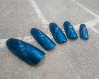 READY TO SHIP - Blue shimmer bubble pattern metallic mermaid false nails, full cover press on glue on for cosplay drag queen mermaid costume