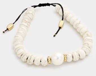 Beaded w/ 8mm Fresh Water Pearl Detail Cinch Bracelet White