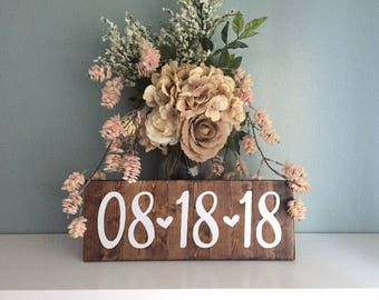Engagement Photo Save the Date Sign Wedding Date Sign, Rustic Wedding Decor, Special Date Sign, Wedding Photo Prop, Engagement Announcement