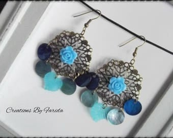 Bronze metal earrings with a stamp and 4 blue mother of Pearl sequins