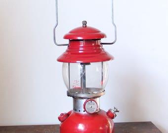 Vintage coleman lantern, 200A coleman lanter, vintage camping lantern