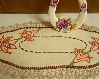 Vintage Embroidered Oblong Doily  ~  Bone Linen with Lily & Crochet