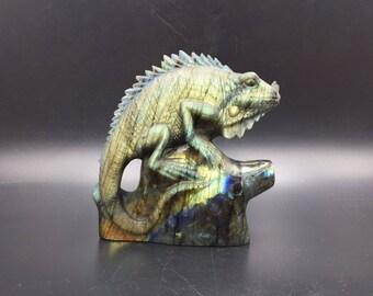 Flash Labradorite Chameleon Lizard Figurine Realistic Chameleon Sculpture Animal Statue Gemstone Hand Carved Lizard Sculpture AN-49
