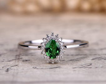 Natural Oval Cut Tsavorite Diamond  Tsavorite Garnet Ring 14K White Gold Green Garnet Ring Green Gemstone Ring