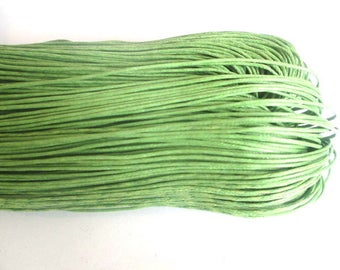 10 meters of thread waxed cotton Green 0.7 mm