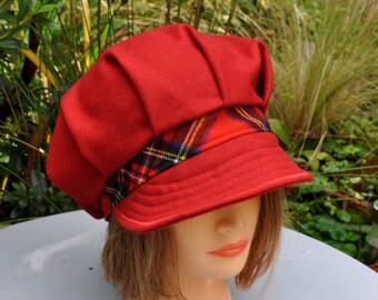 Newsboy women Hat wool red and Plaid - size 54-55cm