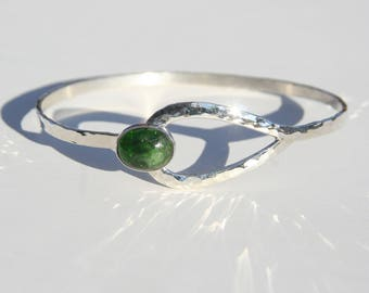 Chrome Diopside Sterling Silver Clasp Bracelet ~ Sterling Chrome Diopside Green Stone Bracelet ~ Hammered Silver Dark Green Gemstone