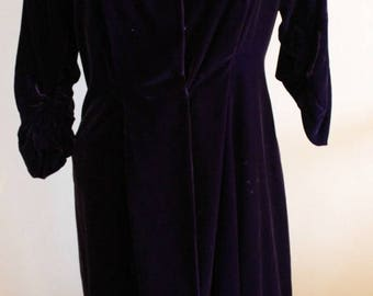 ON SALE Vintage 40s dress women, 1940s dress, Purple silk velvet dress, 1940s velvet dress, Velvet, Silkvelvet, Medium