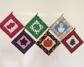 Holiday Hot Pads/Pot Holders - Set of 6