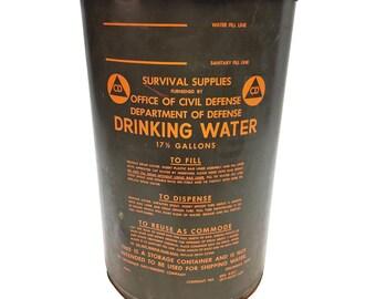 Vintage MILITARY BARREL w Lid water storage army metal trash can waste bin green drum steampunk OD olive drab old rustic hamper holder 1963