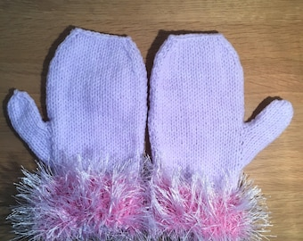 Girl's lilac mittens, mitts with fluffy cuffs, kids winter mittens, mittens for girls, mittens with faux fur cuffs, girly mitts