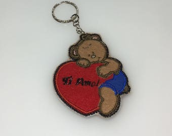 Embroidered keyring, teddy bear with customible heart, gift idea for Valentine's day, party decorations, gift idea for him and her