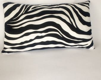 Cushion 50 x 30 Zebra black and white