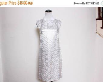 25% OFF VTG 60s Mod Silver White Metallic Dress S/M